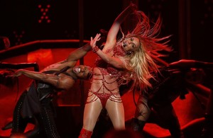 Britney Spears, durante su actuación en los premios Billboard, en las Vegas, el pasado 22 de mayo, donde recibió un premio a su carrera.