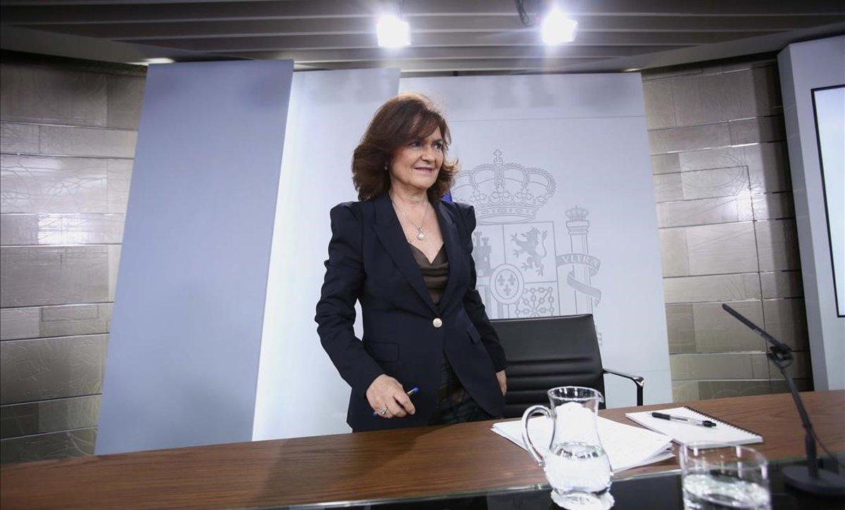 La vicepresidenta del Gobierno, CarmenCalvo, en la rueda de prensa del Consejo de Ministros.