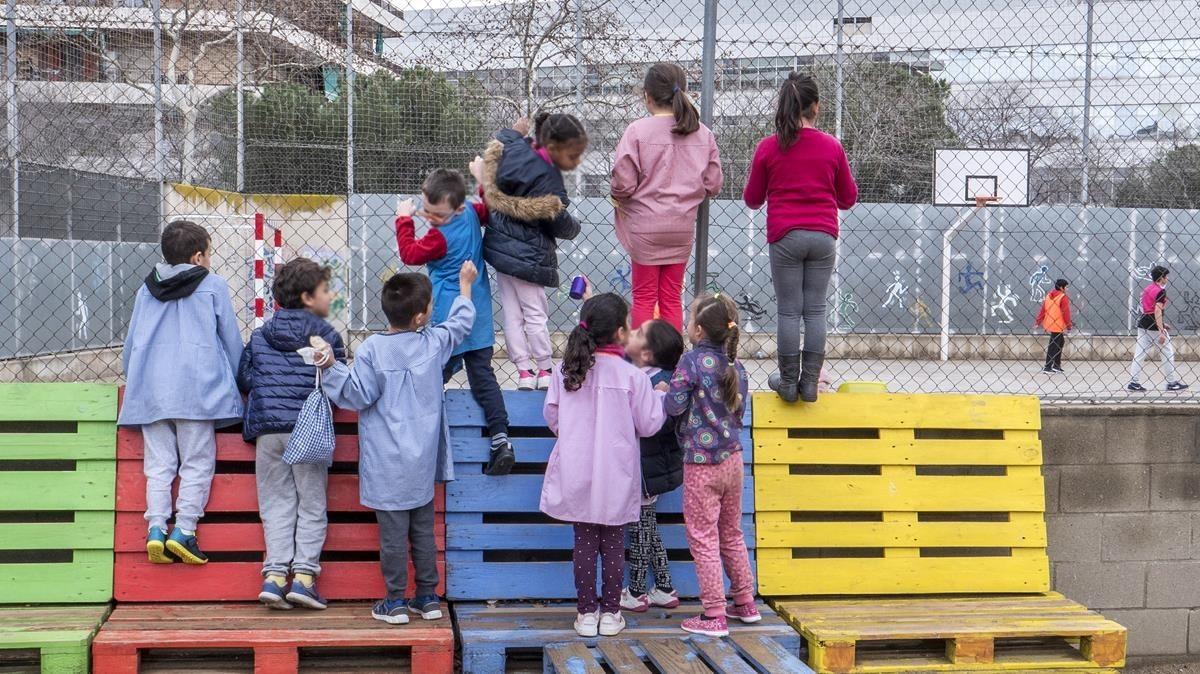 El patio de la escuela La Farigola, en Barcelona.