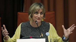 La 'consellera' de Salut, Alba Vergés, en una comisión de salud del Parlament de Catalunya.