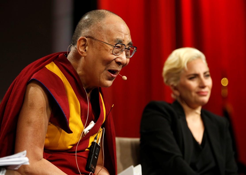 La maldición china del Dalai Lama alcanza a Lady Gaga
