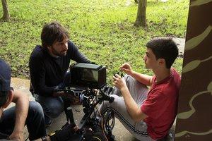 Daniel Sánchez Arévalo (izquierda), en el rodaje con Biel Montoro.