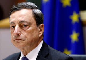 European Central Bank (ECB) President Mario Draghi waits to address the European Parliaments Economic and Monetary Affairs Committee in Brussels, Belgium, June 21, 2016. REUTERS/Francois Lenoir/File Photo