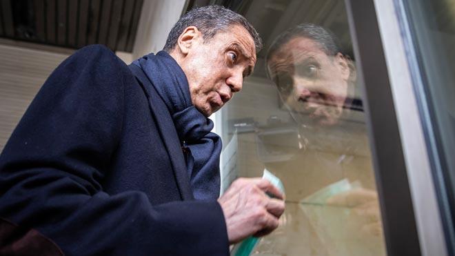 Eduardo Zaplana acude a firmar al juzgado de guardia de Valencia.