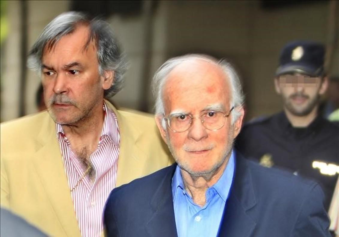Teddy Bautista y el exdirector financiero de la SGAE Ricardo Azcoaga (izquierda), a su salida de la Audiencia Nacional en julio del 2011.