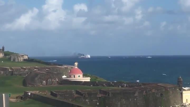 Incendio en un crucero frente a las costas de Puerto Rico.