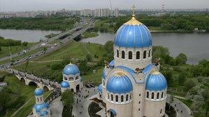 Vista de la Catedral Ortodoxa de la Trinidad, a las afueras de Moscú.