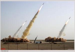 Imagen de archivo de un test de misiles en el desierto iraní.