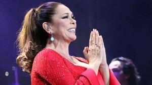 Isabel Pantoja durante el concierto ofrecido en el Gran Canaria Arena de Las Palmas en el que hizo un repaso a su carrera musical, en enero del 2018.