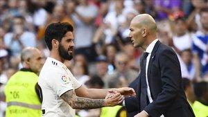 Isco, sustituido por Zidane nada más marcar el primer gol del Madrid.