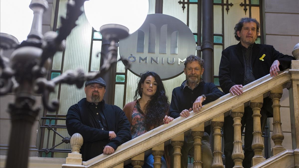 Ivan Ledesma, Clara Queraltó, Josep Maria Fulquet y Joan-Lluís Lluís, ganadores de la Nit de Santa Llúcia.