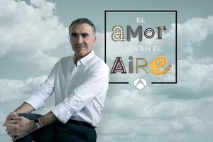 Juan y Medio, presentador del programa El amor está en el aire, de Antena 3.