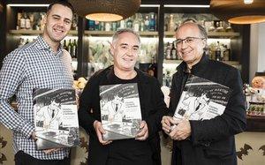 De izquierda a derecha, Simone Caporal, Ferran Adrià y Javier de las Muelas, este lunes en los locales de Bacardí en Barcelona.