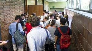 La UB repeteix entre queixes l'examen d'empresa robat al juliol