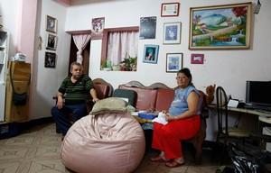 Mario Bedoya y su esposa Carmen, una pareja venezolana, pasa momentos complicados por la escasez de alimentos.