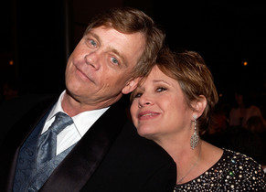 Mark Hamill junto a Carrie Fisher, durante un homenaje a George Lucas en California, en junio del 2005.