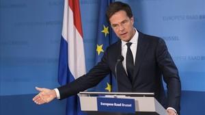 Mark Rutte interviene en una rueda de prensa, en la cumbre de la UE en Bruselas, el 15 de diciembre.