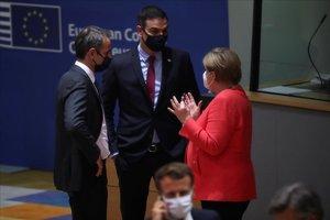 Merkel habla con Sánchez y Mitsotakis, primer ministro griego.