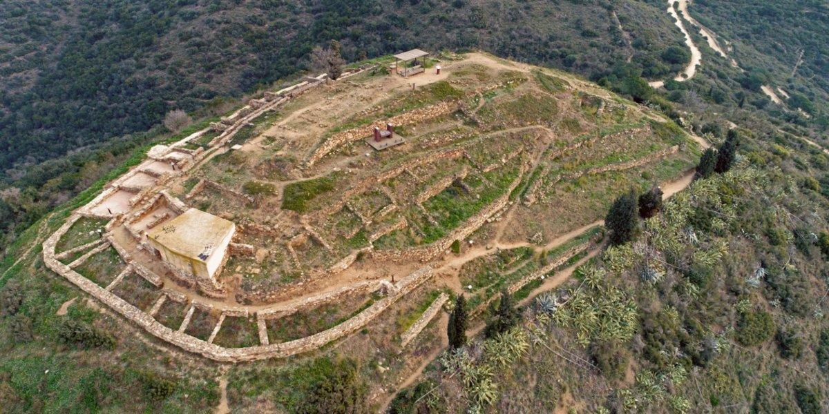 Panorámica del poblado ibérico de Puig Castellar en Santa Coloma de Gramenet.