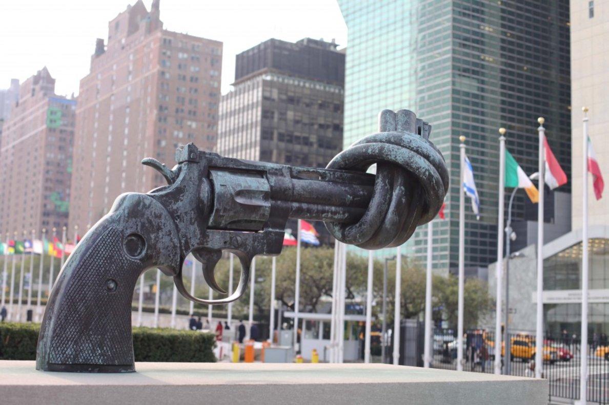 Promulgan nueva ley contra armas de fuego en Nueva York.