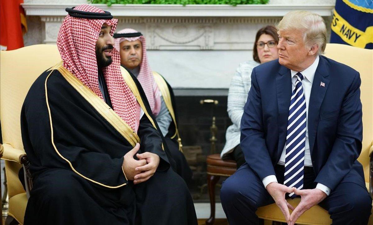 El príncipe heredero saudí, Mohammed bin Salman (izquierda), y el presidente estadounidense Donald Trump.