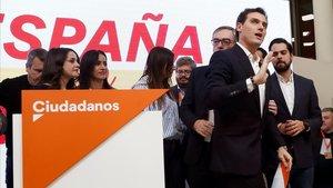 Rivera ha propuesto la convocatoria de un congreso extraordinario tras asumir los malos resultados del partido.