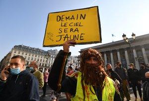 Protesta de los 'chalecos amarillos' en París, este sábado.