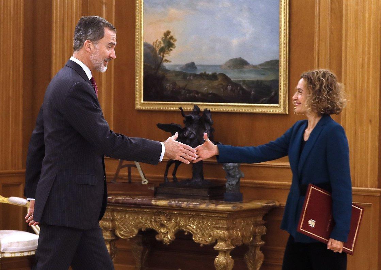 El rey Felipe VI y la presidenta del Congreso, Meritxell Batet, este miércoles en la Zarzuela.