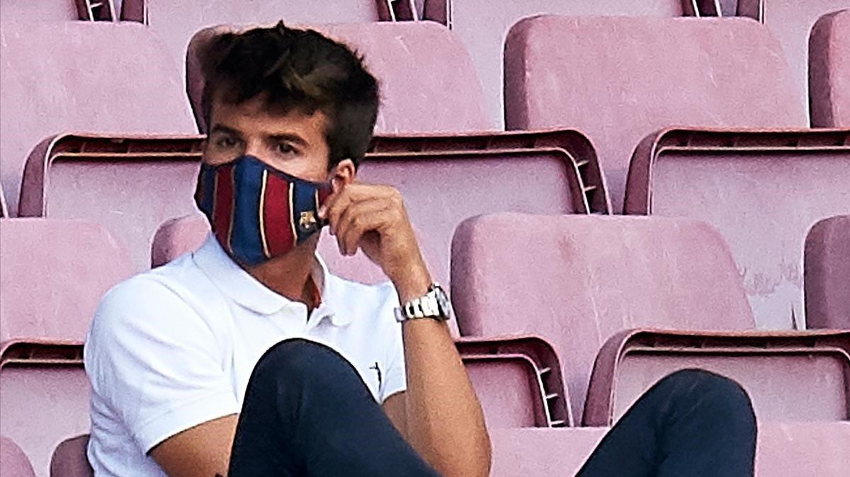 Riqui Puig, en la grada del Camp Nou durante el trofeo Joan Gamper.