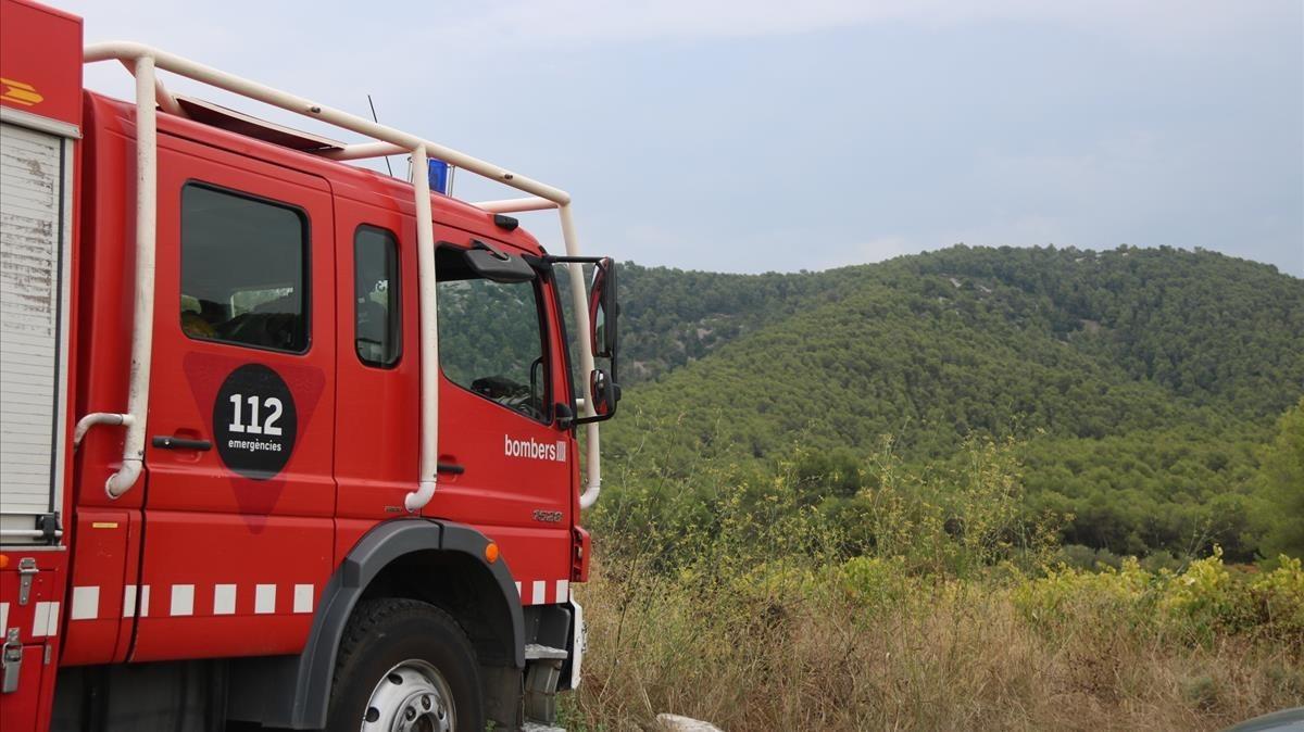 Els Bombers intervenen en dos incendis en contenidors de Sabadell