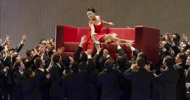 Sonya Yoncheva en una escena de 'La traviata'.