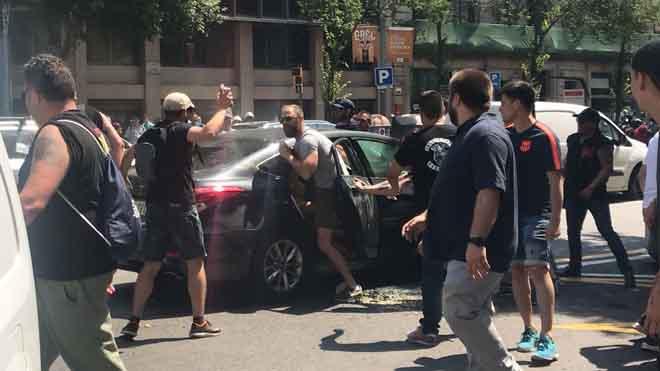 Brots de violència al taxi en vista de la negativa del Govern de limitar Uber i Cabify