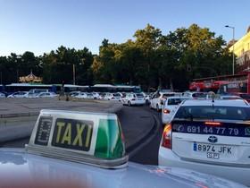 Arresten un taxista per amenaçar amb un ganivet un conductor VTC