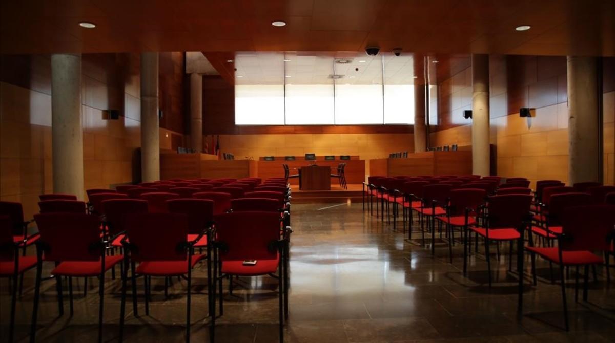 Escenarios de 'SQE': la sala de vistas del tribunal, reconstruida en el Arxiu Nacional de Catalunya, en Sant Cugat.