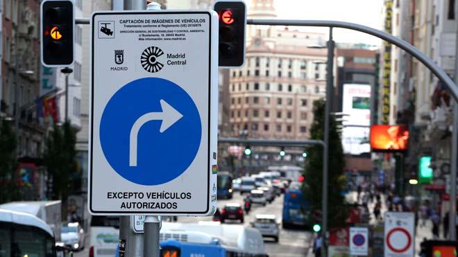 Tráfico en Madrid, el día en que las multas vuelven a Madrid Central una semana después de la moratoria.