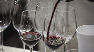 Unas copas de vino.
