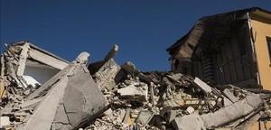 Un nou terratrèmol sacseja el centre d'Itàlia i obliga a evacuar el metro de Roma