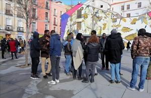 Concentración de inmigrantes en el barrio de Lavapies por la muerte del mantero.