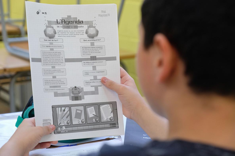 Unos 30 jóvenes de Sant Boi se han acogido a un programa de mejora del éxito educativo y ayuda al estudio