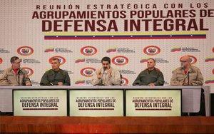 Nicolás Maduro y miembros del Ejército de Venezuela.