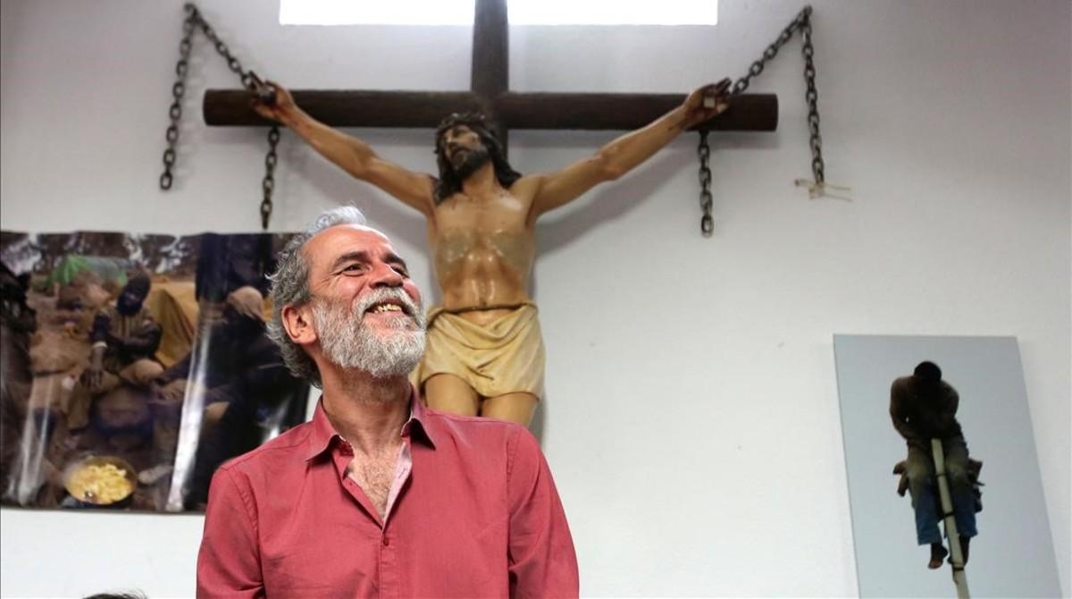 Willy Toledo, el martes 22 de mayo en una parroquia de Vallecas (Madrid), donde compareció ante los medios