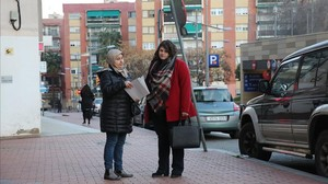 Souad y Sara, dos vecinas de Ciutat Meridiana que participan en la iniciativa Picaportes.