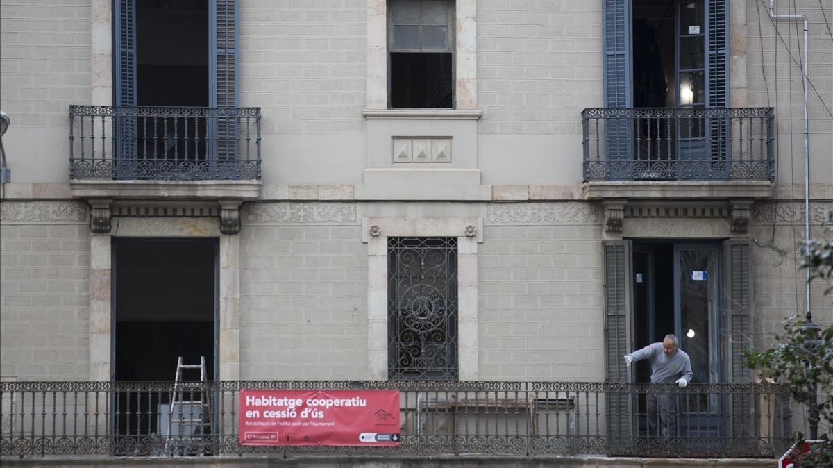 Primer edificio de vivienda cooperativa en cesión de uso, en la calle de la Princesa, 49.