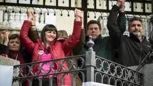 Ruth Ortuiz (izquierda) durante una concentración a favor de la prisión permanente revisable.
