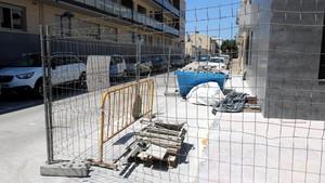 Edificio en obras en Palamós, donde el sábado se cometió una supuesta agresión sexual a una menor.