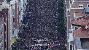 Unes 70.000 persones reclamen a Bilbao el final de la dispersió de presos d'ETA