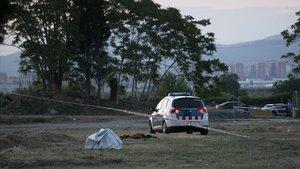 Los Mossos dEsquadra han encontrado un cadáver en El Prat de Llobregat (Barcelona) y están pendientes de su identificación para averiguar si se trata de Janet Jumillas, la mujer que desapareció el pasado 13 de marzo en Cornellà (Barcelona) y que los investigadores consideran que fue asesinada.