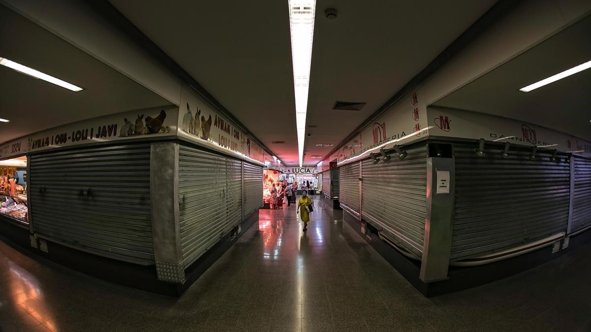 Interior del mercado de Singuerlin.
