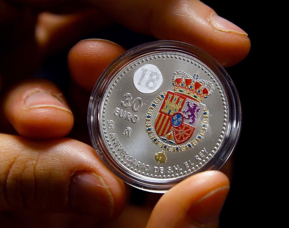 Una Moneda De 30 Euros De Plata Y A Color Por Los 50 A Os