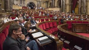 El Parlament no investigarà el suposat espionatge dels Mossos a periodistes i polítics